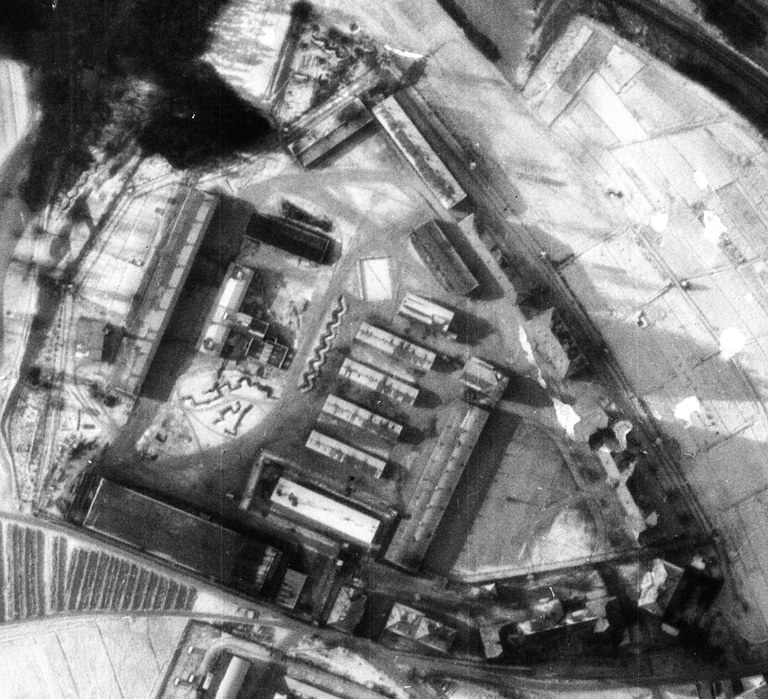 This detail of an air photograph shows the camp area on the grounds of the Birago barracks. Source: Luftbilddatenbank Dr. Carls GmbH, 26th December 1944